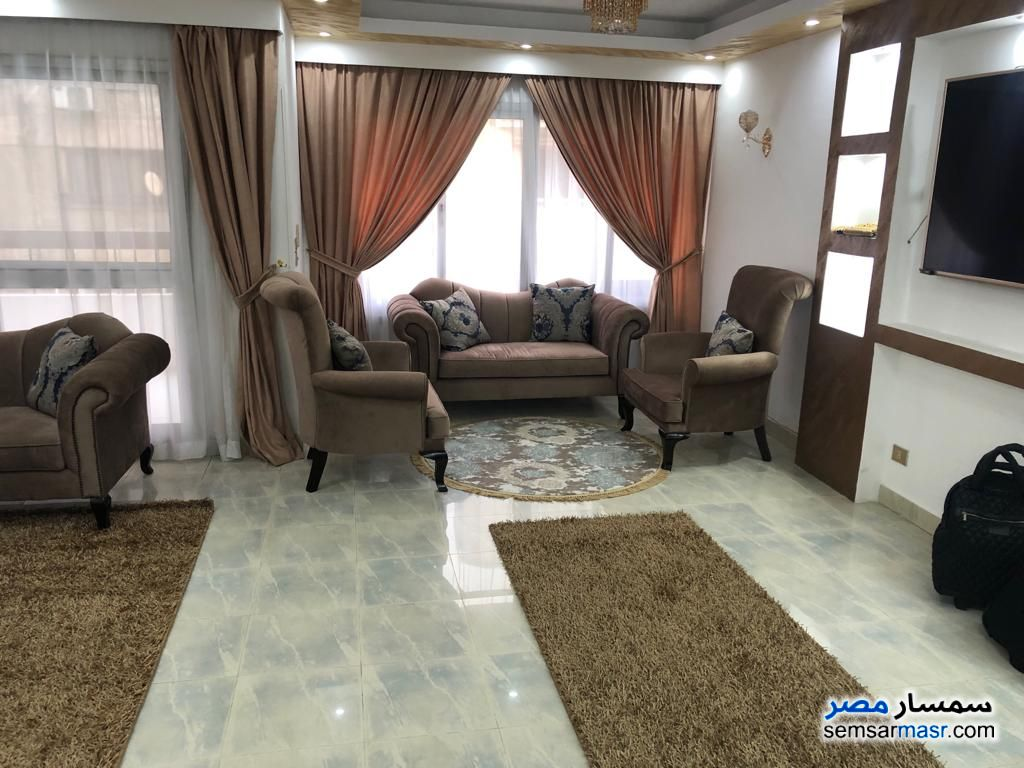 Photo 5 - Apartment 3 bedrooms 2 baths 180 sqm extra super lux For Rent Mohandessin Giza