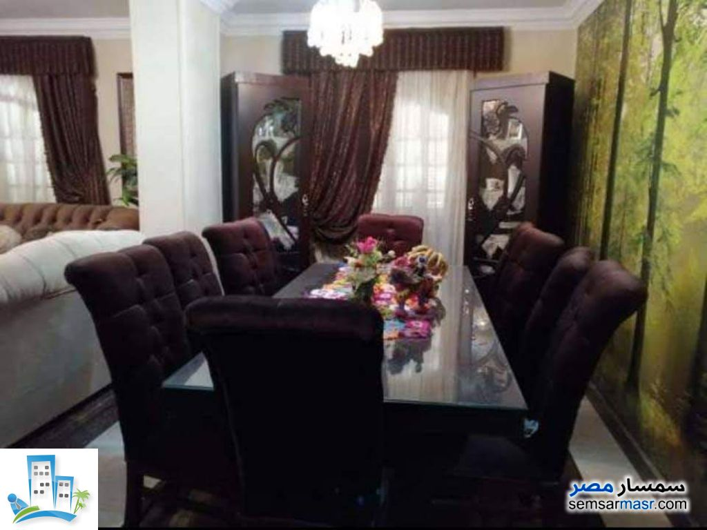 Ad Photo: Apartment 7 bedrooms 3 baths 202 sqm super lux in Helmeya  Cairo