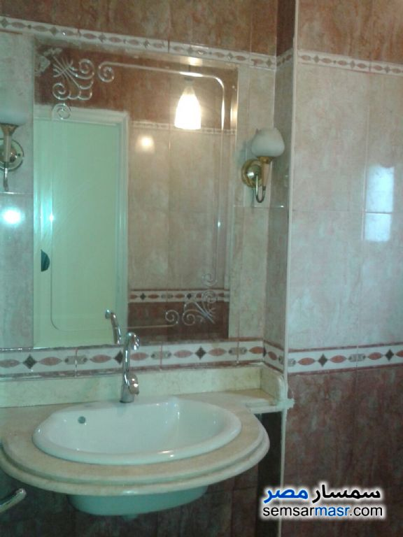Photo 2 - Apartment 3 bedrooms 3 baths 200 sqm super lux For Rent Mohandessin Giza