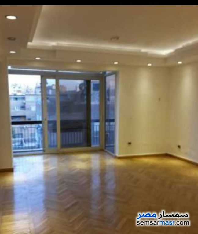 Apartment 3 bedrooms 3 baths 200 sqm extra super lux