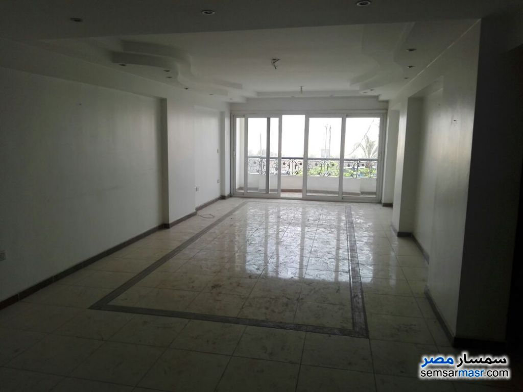 Photo 1 - Apartment 4 bedrooms 2 baths 240 sqm extra super lux For Rent New Nozha Cairo