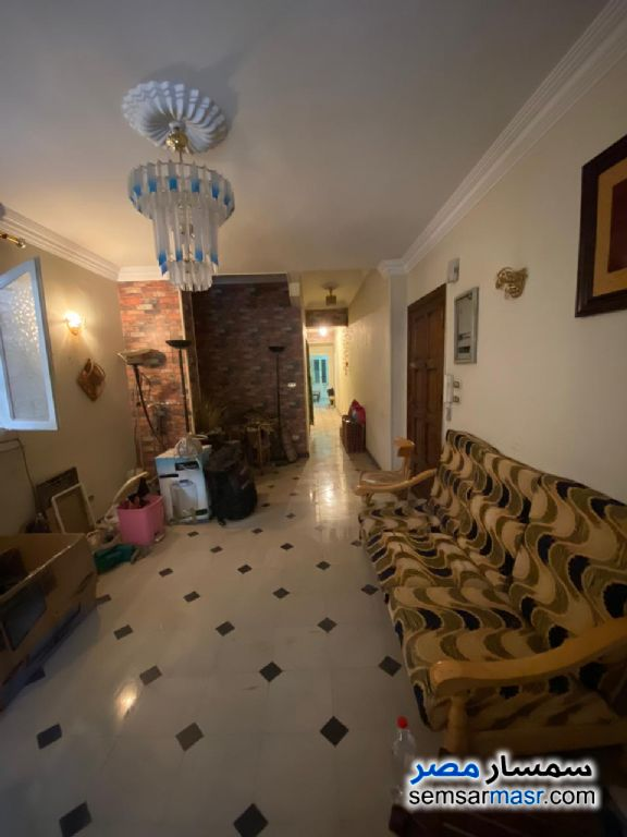 Ad Photo: Apartment 2 bedrooms 1 bath 130 sqm lux in Heliopolis  Cairo