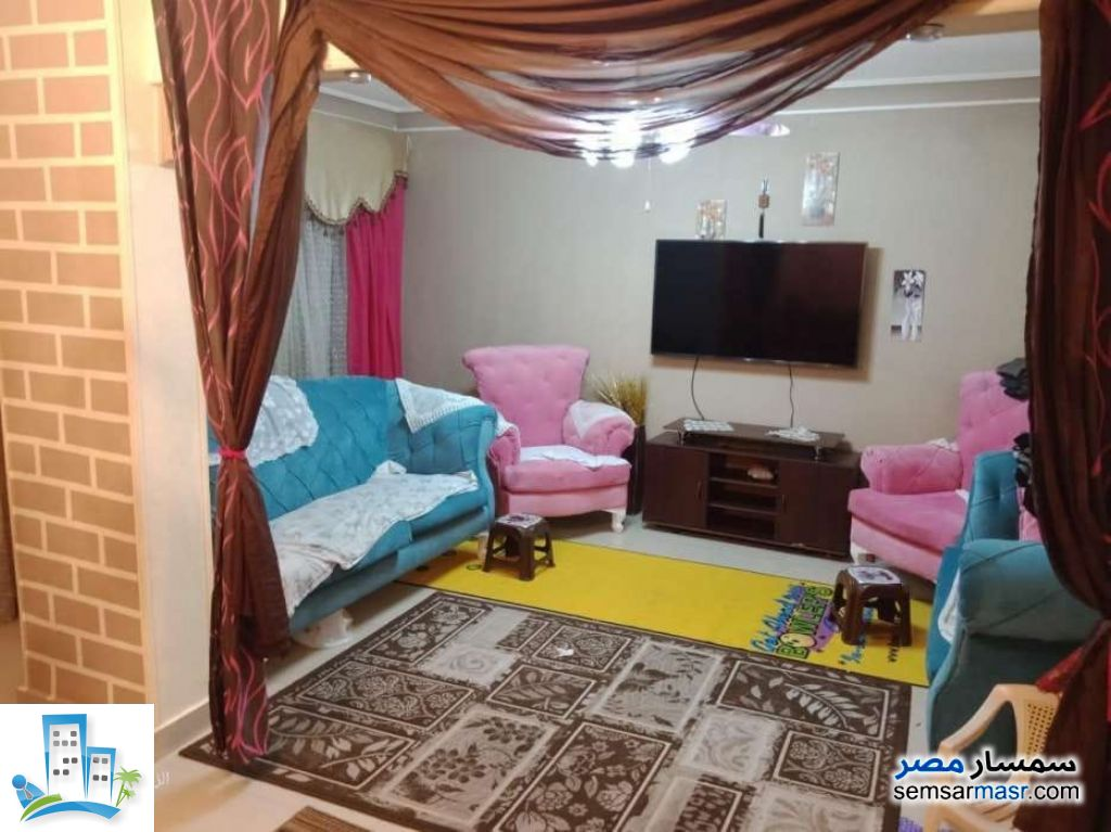 Ad Photo: Apartment 3 bedrooms 1 bath 160 sqm semi finished in Zeitoun  Cairo