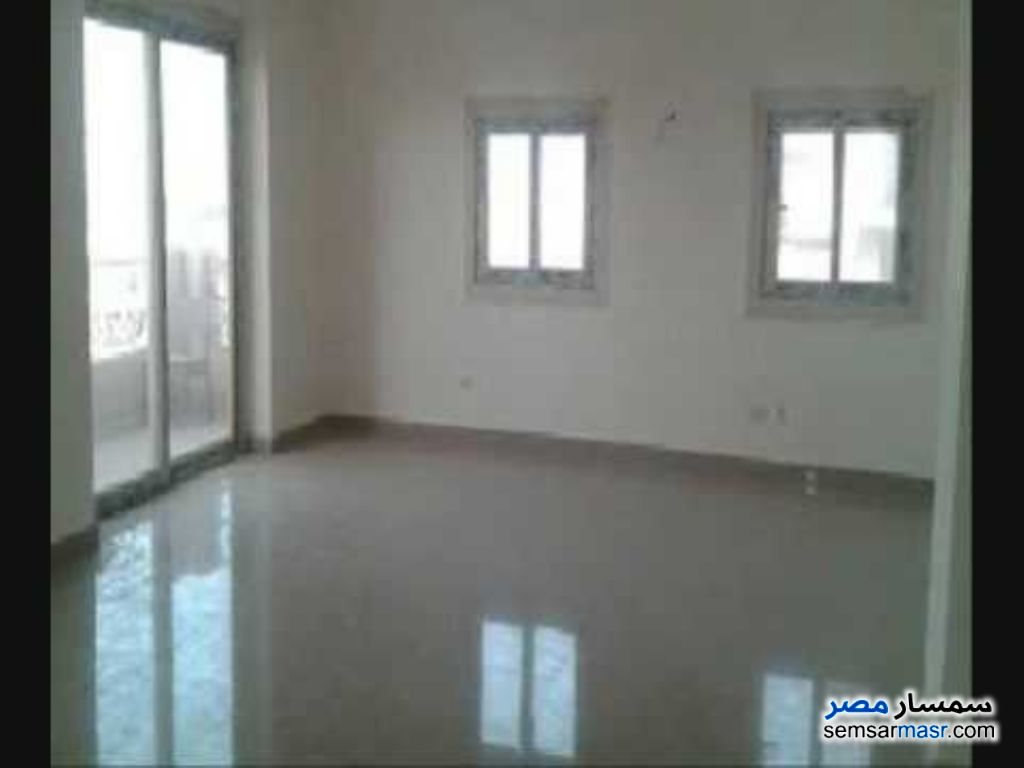 Photo 2 - Apartment 2 bedrooms 1 bath 155 sqm super lux For Rent Mohandessin Giza