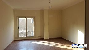 Ad Photo: Apartment 6 bedrooms 2 baths 240 sqm super lux in Giza