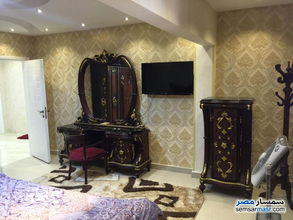 Photo 14 - Apartment 3 bedrooms 2 baths 180 sqm super lux For Rent Mohandessin Giza