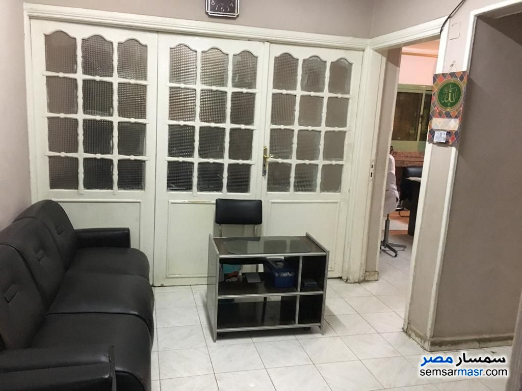 Ad Photo: Commercial 2 bedrooms 1 bath 100 sqm super lux in Mohandessin  Giza