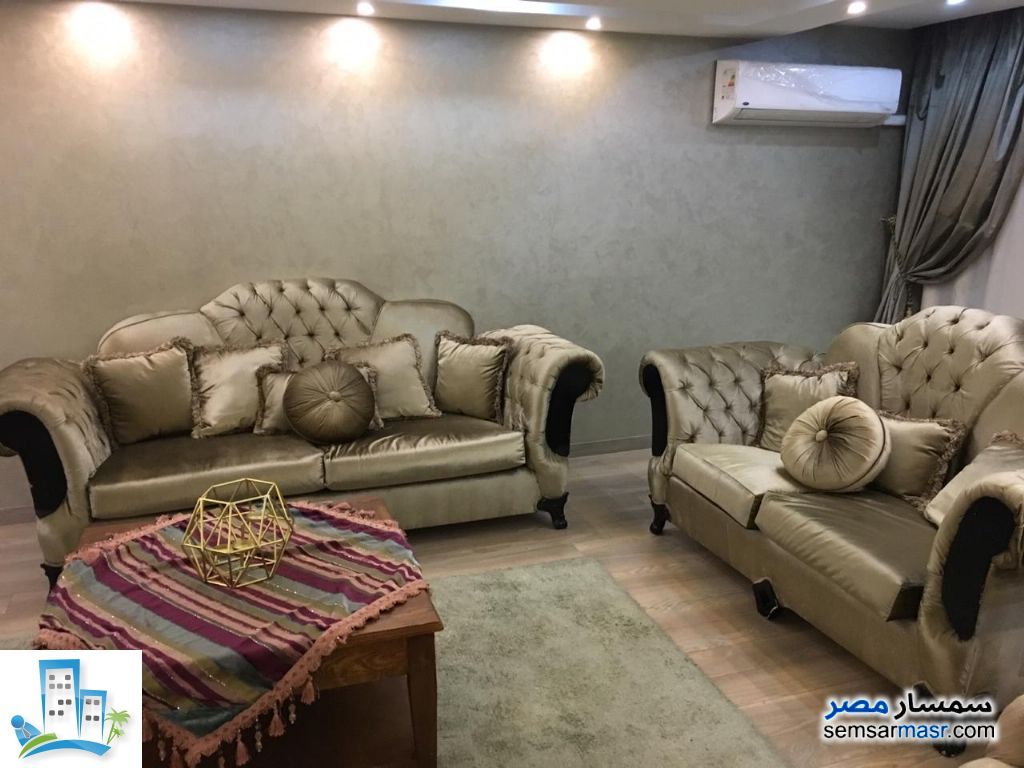Ad Photo: Apartment 3 bedrooms 2 baths 240 sqm extra super lux in Dokki  Giza