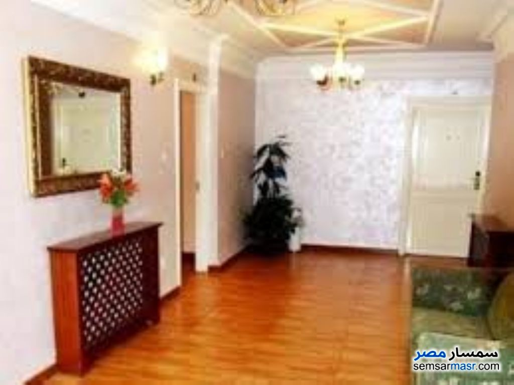 Ad Photo: Apartment 3 bedrooms 2 baths 156 sqm super lux in Heliopolis  Cairo