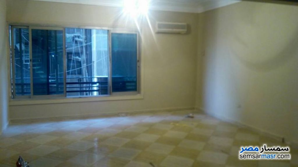 Photo 1 - Apartment 3 bedrooms 2 baths 170 sqm super lux For Rent Heliopolis Cairo