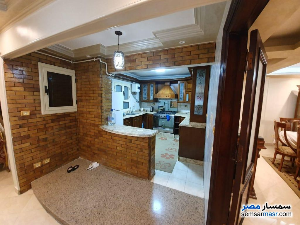 Ad Photo: Apartment 3 bedrooms 2 baths 240 sqm extra super lux in Al Manial  Cairo