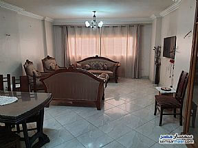Ad Photo: Apartment 2 bedrooms 1 bath 125 sqm super lux in Mohandessin  Giza