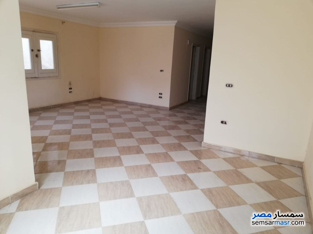 Photo 1 - Apartment 3 bedrooms 2 baths 157 sqm super lux For Rent Districts 6th of October