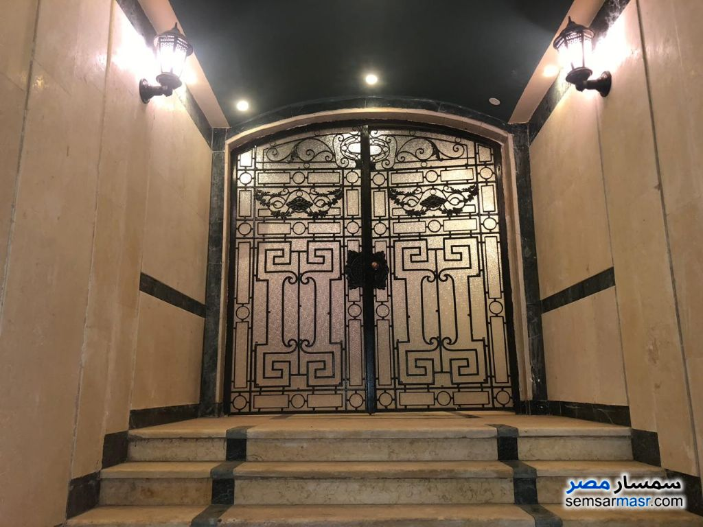 Photo 10 - Apartment 3 bedrooms 2 baths 200 sqm For Rent Fifth Settlement Cairo
