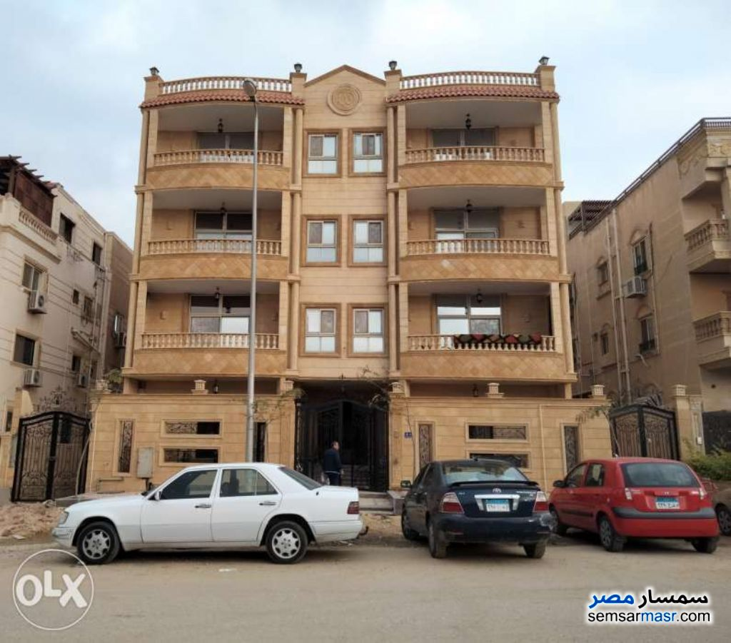 Ad Photo: Apartment 3 bedrooms 2 baths 240 sqm super lux in Cairo