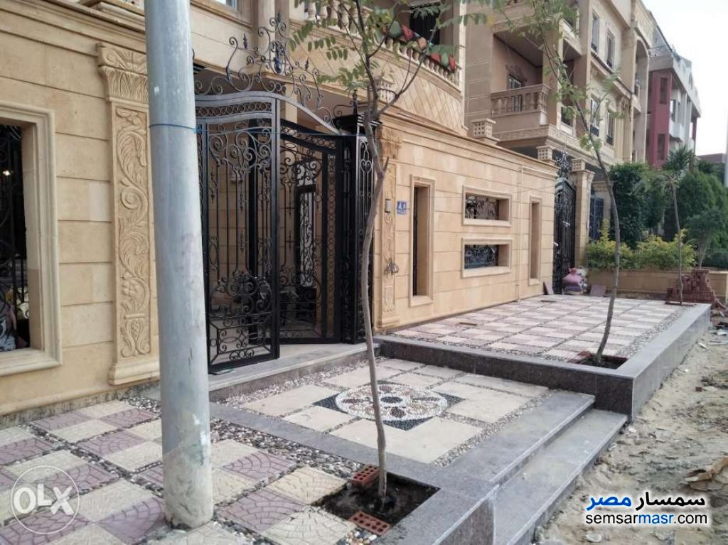 Photo 3 - Apartment 3 bedrooms 2 baths 240 sqm super lux For Rent First Settlement Cairo
