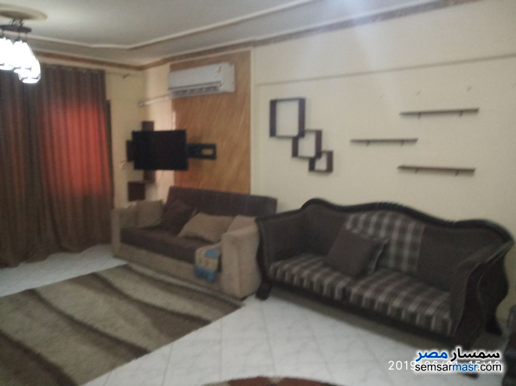 Photo 2 - Apartment 3 bedrooms 1 bath 150 sqm super lux For Rent Nasr City Cairo