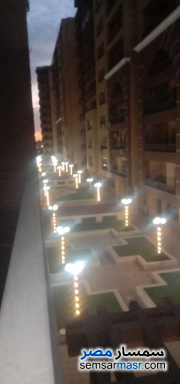 Ad Photo: Apartment 3 bedrooms 2 baths 190 sqm extra super lux in Maadi  Cairo