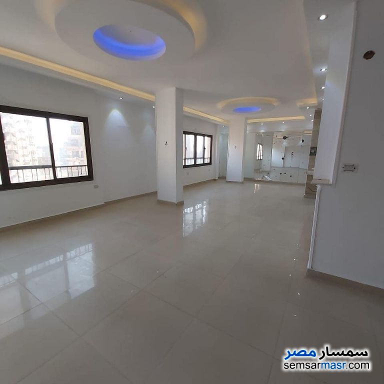 Photo 1 - Apartment 3 bedrooms 2 baths 220 sqm extra super lux For Sale Mohandessin Giza