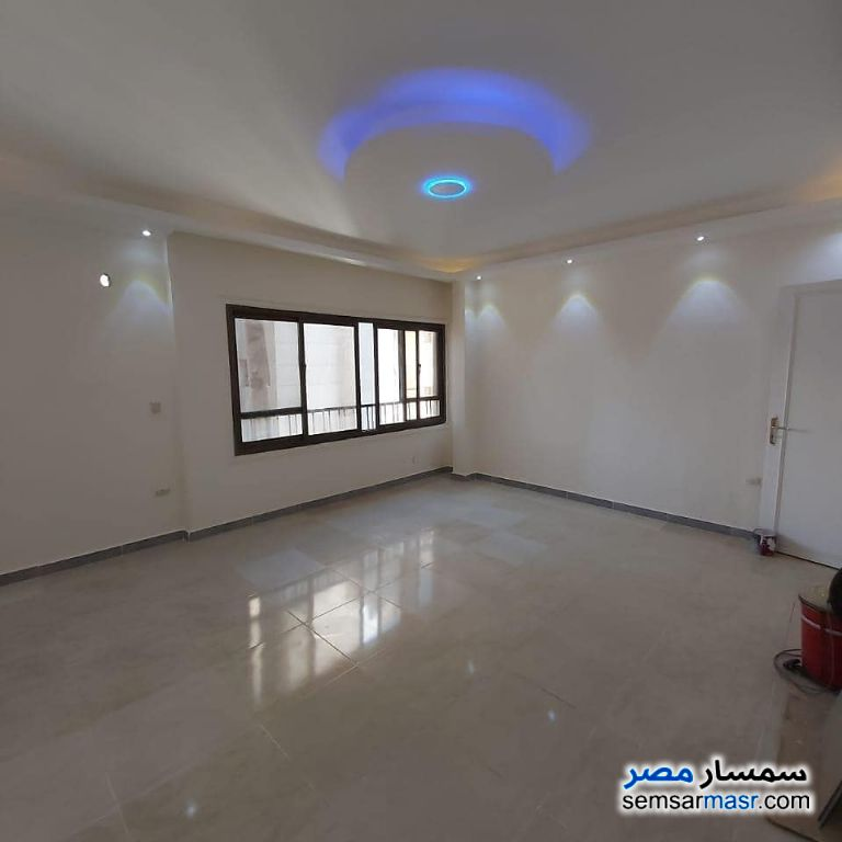 Photo 4 - Apartment 3 bedrooms 2 baths 220 sqm extra super lux For Sale Mohandessin Giza