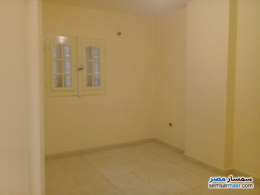 Photo 3 - Apartment 2 bedrooms 1 bath 100 sqm super lux For Sale Izbat An Nakhl Cairo