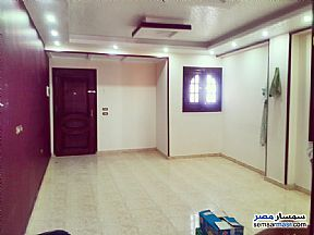 Ad Photo: Apartment 3 bedrooms 1 bath 135 sqm super lux in Hadayek Helwan  Cairo