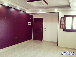 Ad Photo: Apartment 2 bedrooms 1 bath 135 sqm super lux in Hadayek Helwan  Cairo