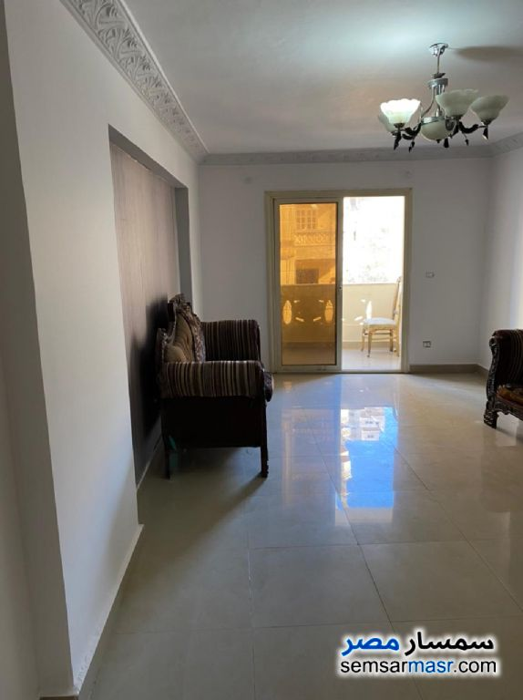 Ad Photo: Apartment 3 bedrooms 2 baths 130 sqm in Miami  Alexandira