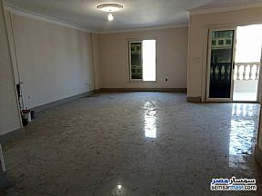 Ad Photo: Apartment 4 bedrooms 3 baths 220 sqm extra super lux in Sheraton  Cairo