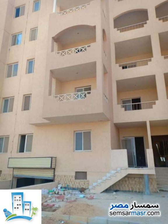 Ad Photo: Apartment 2 bedrooms 1 bath 65 sqm semi finished in 10th Of Ramadan  Sharqia
