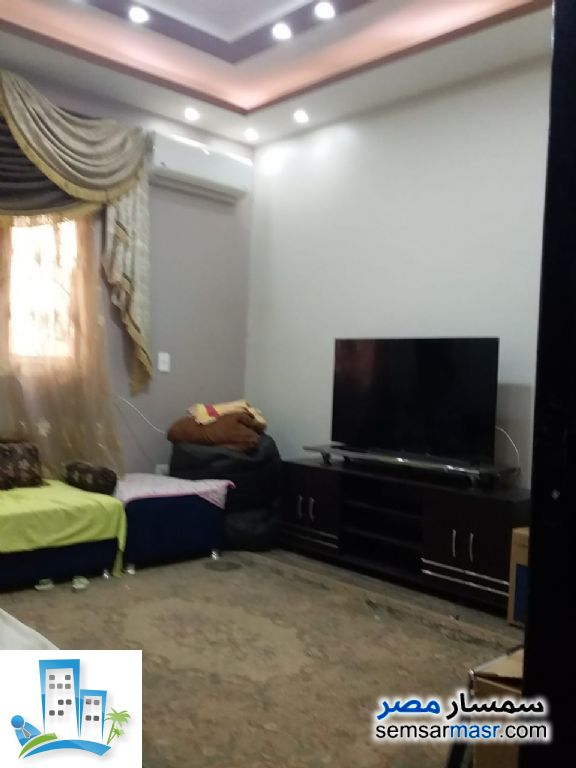 Ad Photo: Apartment 2 bedrooms 1 bath 150 sqm in Shorouk City  Cairo