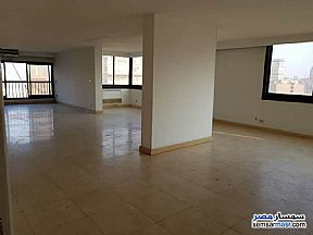 Ad Photo: Apartment 5 bedrooms 3 baths 430 sqm extra super lux in Mohandessin  Giza