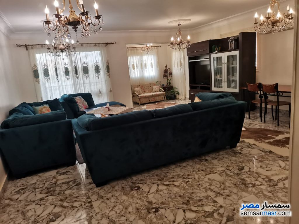 Ad Photo: Apartment 4 bedrooms 2 baths 230 sqm extra super lux in Sheikh Zayed  6th of October