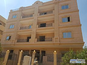 Ad Photo: Apartment 3 bedrooms 2 baths 180 sqm semi finished in Shorouk City  Cairo