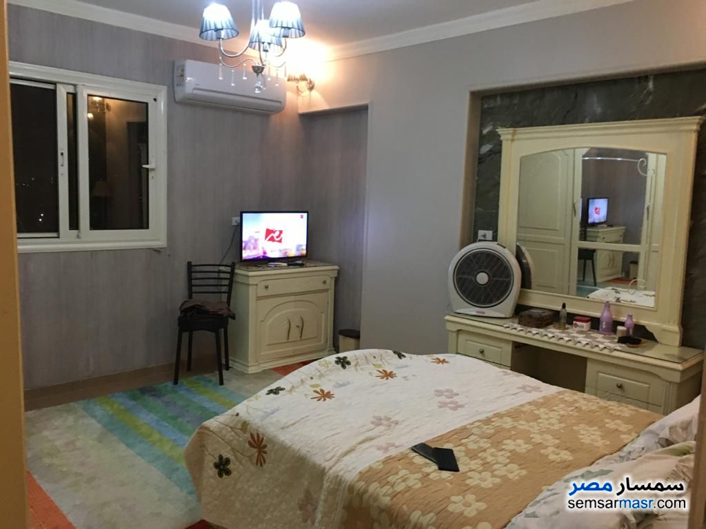 Ad Photo: Apartment 4 bedrooms 1 bath 140 sqm extra super lux in Shubra El Kheima  Qalyubiyah
