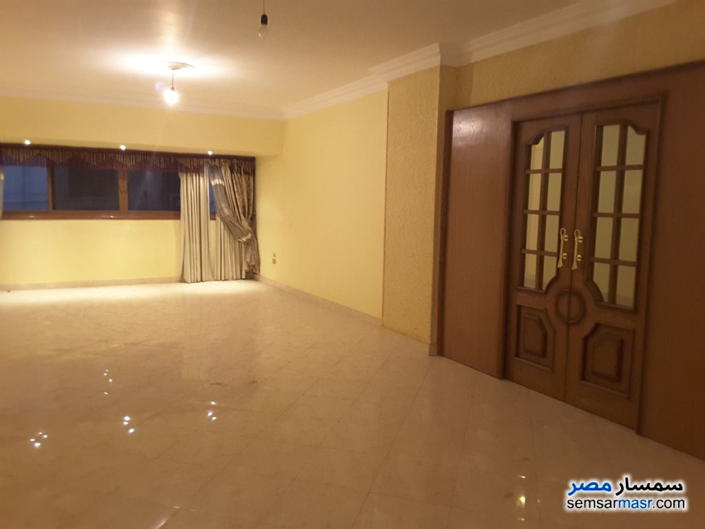 Photo 1 - 2 bedrooms 1 bath 155 sqm extra super lux For Sale New Nozha Cairo