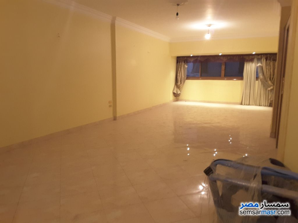 Photo 2 - 2 bedrooms 1 bath 155 sqm extra super lux For Sale New Nozha Cairo