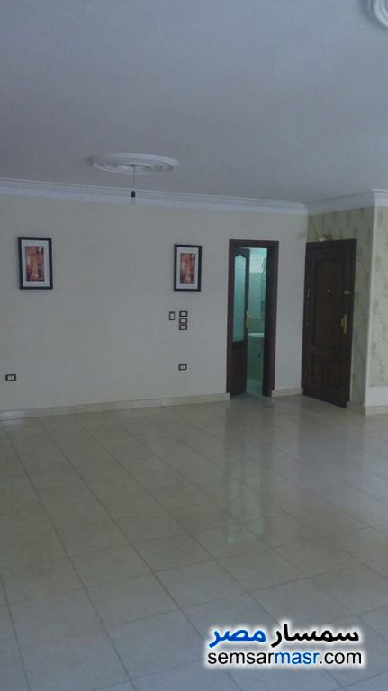 Photo 2 - Apartment 3 bedrooms 2 baths 180 sqm extra super lux For Sale New Nozha Cairo