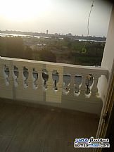 Ad Photo: Apartment 4 bedrooms 3 baths 300 sqm extra super lux in Hadayek Helwan  Cairo