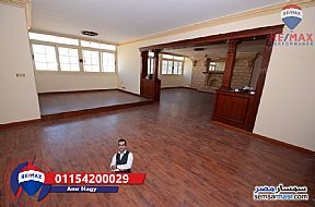 Ad Photo: Apartment 4 bedrooms 3 baths 300 sqm super lux in Kafr Abdo  Alexandira