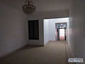 Ad Photo: Apartment 4 bedrooms 3 baths 275 sqm super lux in Maadi  Cairo