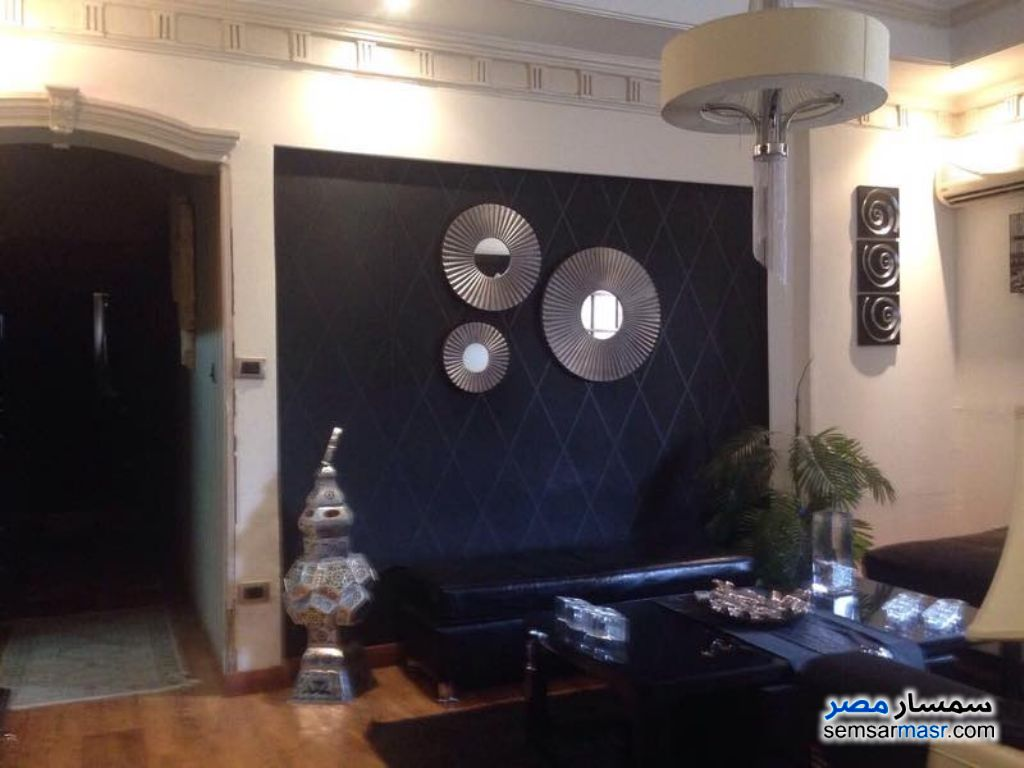 Photo 2 - Apartment 2 bedrooms 1 bath 125 sqm super lux For Rent Mohandessin Giza