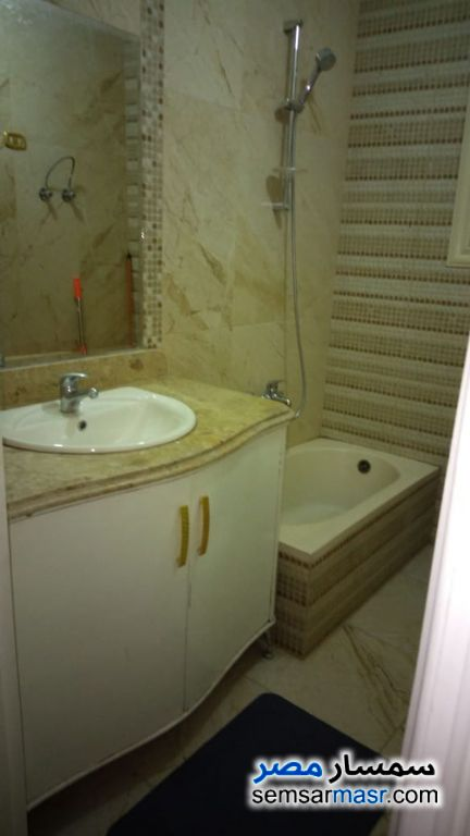Photo 14 - Apartment 2 bedrooms 3 baths 200 sqm extra super lux For Rent Haram Giza