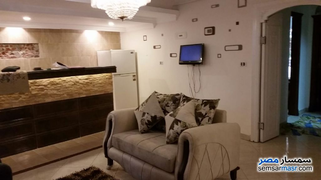 Photo 1 - Apartment 2 bedrooms 1 bath 100 sqm super lux For Rent Mohandessin Giza