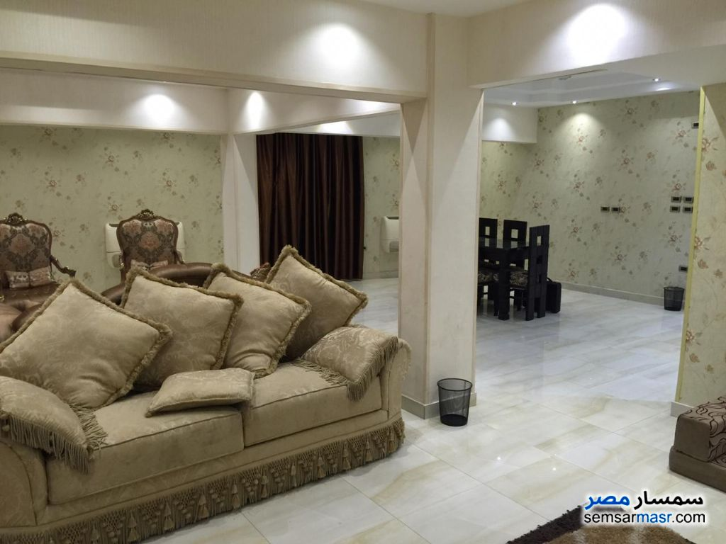 Photo 3 - Apartment 3 bedrooms 2 baths 150 sqm super lux For Rent Mohandessin Giza