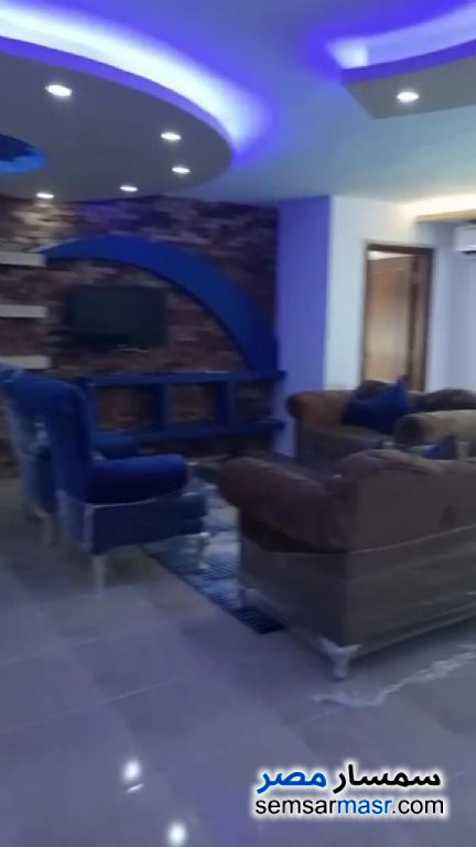 Photo 1 - Apartment 3 bedrooms 2 baths 180 sqm super lux For Rent Mohandessin Giza