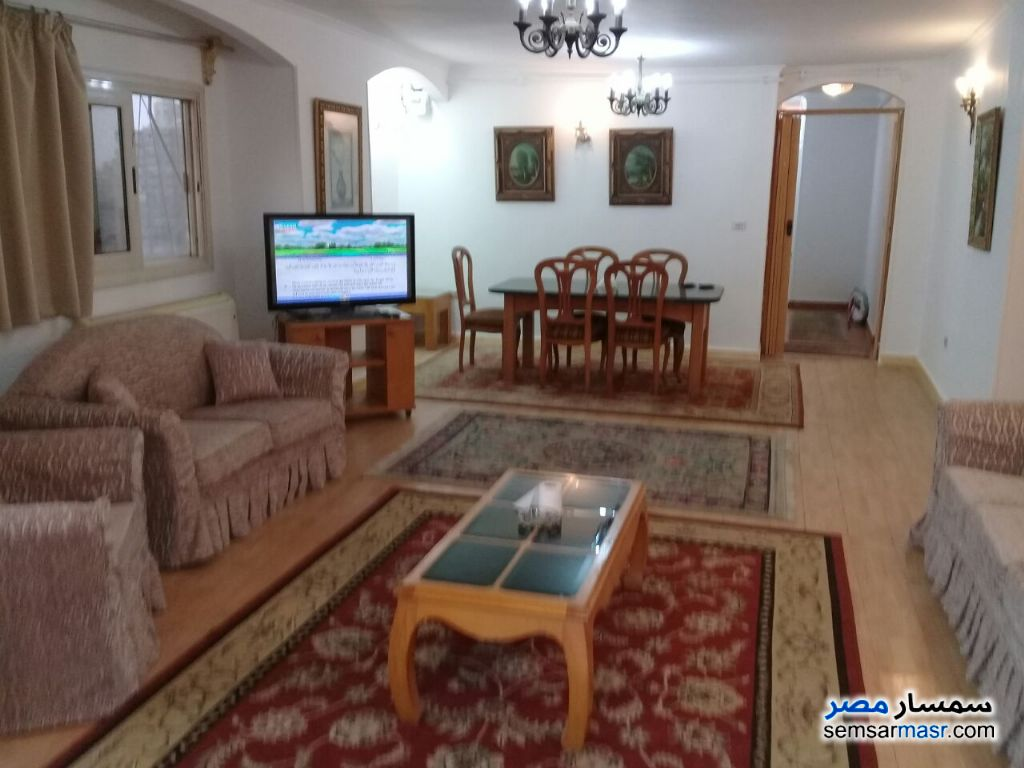 Photo 2 - Apartment 3 bedrooms 2 baths 180 sqm super lux For Rent Mohandessin Giza