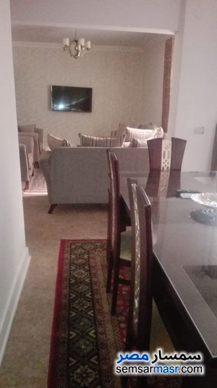 Photo 14 - Apartment 2 bedrooms 1 bath 120 sqm super lux For Rent Mohandessin Giza