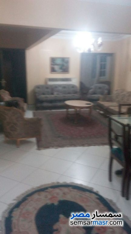 Photo 2 - Apartment 3 bedrooms 1 bath 120 sqm super lux For Rent Mohandessin Giza