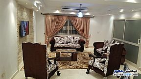 Apartment 3 bedrooms 2 baths 200 sqm super lux For Rent Mohandessin Giza - 9